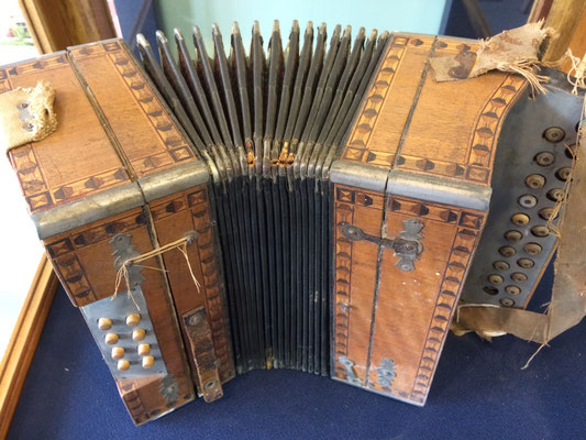 This accordion was played by Louis Miller and Marguerite Bruins in the 1930s