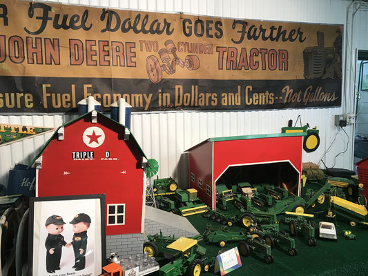 Farm toys on display (photo by Susan)