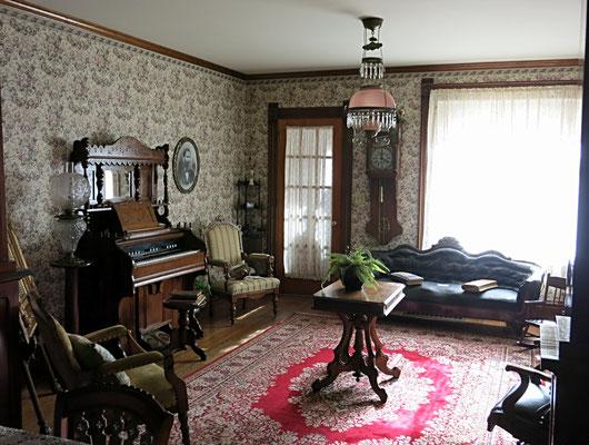The Dekker-Huis Parlor