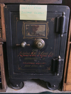 1888 safe from Zeeland Lumber (photo by Susan)