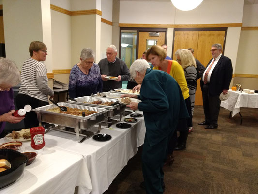 Meat loaf, chicken, green bean casserole, salad and rolls were served buffet-style   ::photo by Arlene Steenwyk
