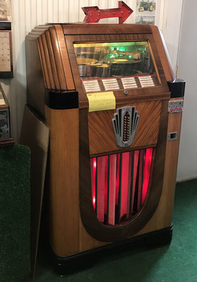 Fully operational 1938 Juke Box  (photo by Susan)