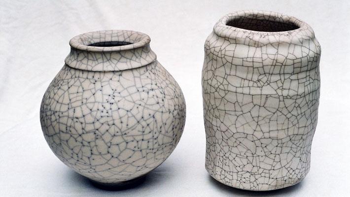 Raku Vasen matt weiß mit großem Krakelee