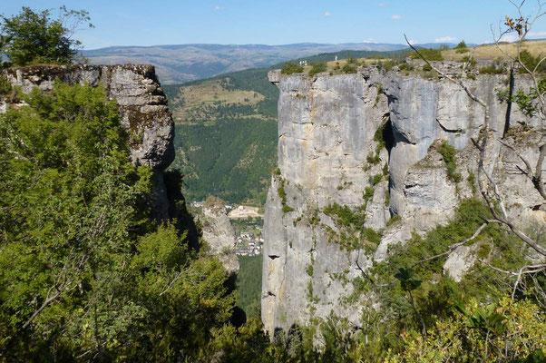 Faire des balades vertigineuses : le rocher de Rochefort