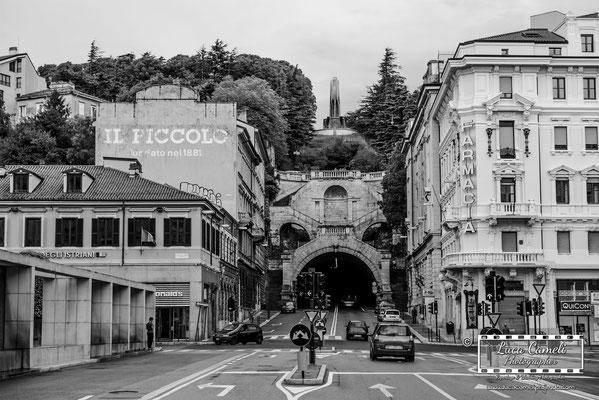 Trieste - Piazza Goldoni, Scala dei Giganti