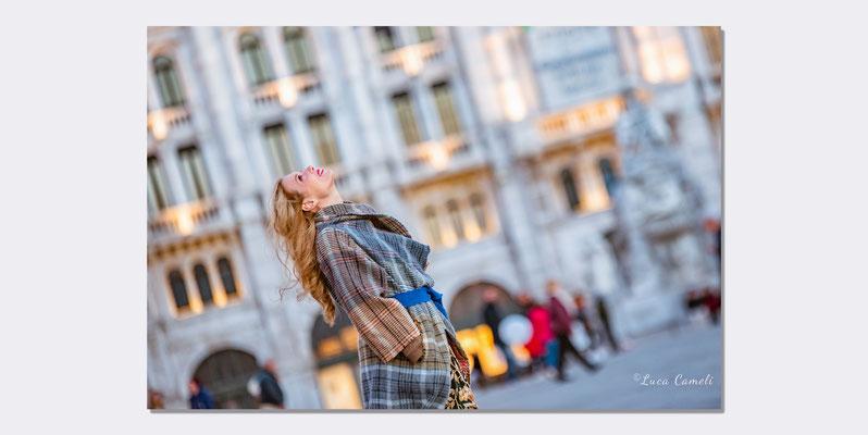 Zita Fusco - Portraits Photo, Piazza Unità d'Italia - Trieste. © Luca Cameli Photographer