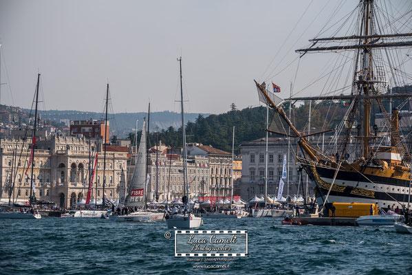 Trieste - Barcolana50, Regata Barcolana, nave Amerigo Vespucci, Piazza Unità d'Italia