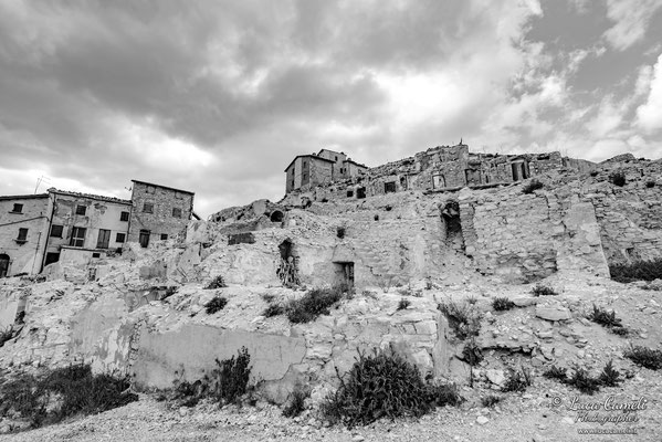 Lo Stato Delle Cose: Terremoto Centro Italia 5 Anni Dopo. Castelluccio di Norcia, zona rossa. © Luca Cameli Photographer