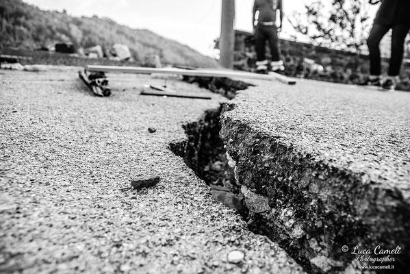 """Terremoto Centro Italia. Arquata del Tronto, settembre 2016. """"Anime Spezzate"""" - Triennale Fotografia Italiana, Venezia 2017. © Luca Cameli Photographer"""