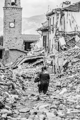 "Terremoto Centro Italia. Amatrice, settembre 2016. ""WORDLESS"" - Triennale Fotografia Italiana, Venezia 2017. © Luca Cameli Photographer"