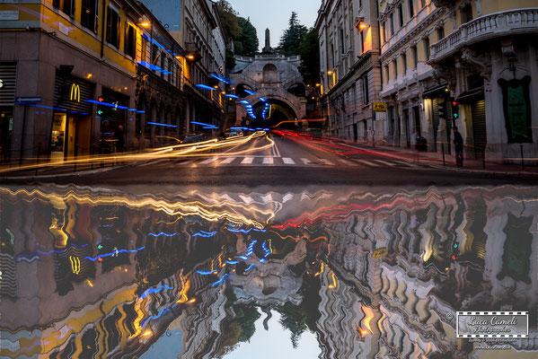 """Trieste - Piazza Goldoni, Scala dei Giganti - """"Riflessi Della Frenesia Quotidiana"""", """"Premio Canaletto"""", Spoleto Arte a Cura di Vittorio Sgarbi, contest """"La Biennale di Venezia d'Arte"""" 2019. © Luca Cameli Photographer"""