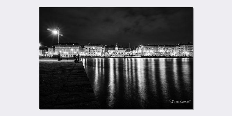 """Trieste Paint It Black"" Trieste - Piazza Unità d'Italia, Molo Audace. ""Premio Belle Arti"" 2021, Spoleto Arte. © Luca Cameli Photographer"