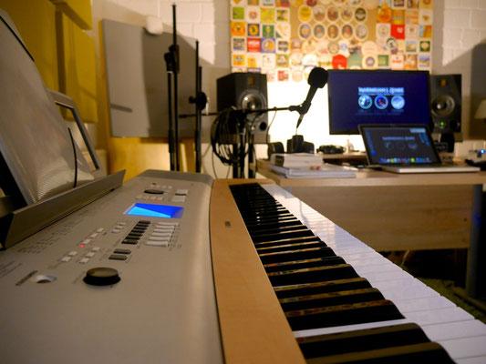 Maximilian J. Zemke Homestudio Klavier Piano Komponist Composer