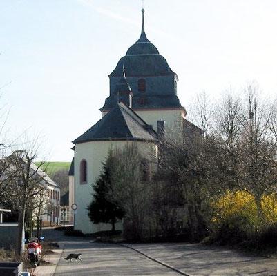 Pluwig. St. Johannes d.T.; Rückseite, Ansicht von der Kirchstraße.