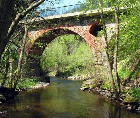 Pluwig, Krebsensbrücke. (Blick von Schöndorf aus)