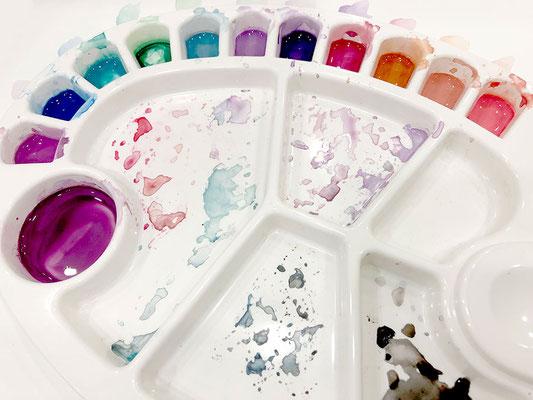 Création d'un arc-en-ciel de couleurs pour cette toile!