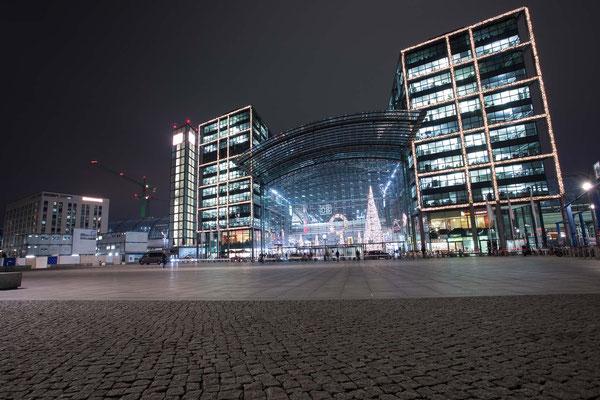 Fassade Washingtonplatz leuchtet!