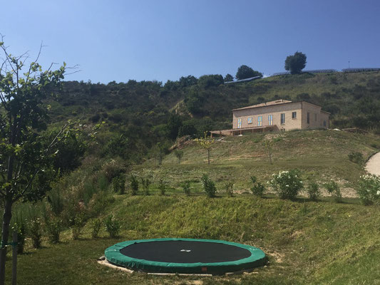 Vakantiehuis huren Casa Panoramica Italie Le Marche tuin