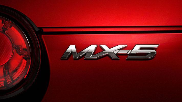 「Mazda MX-5」バッジ