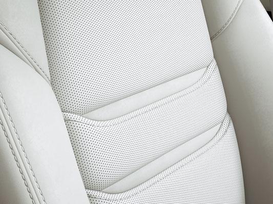 新型「マツダ CX-8」 XD L Package ピュアホワイト内装