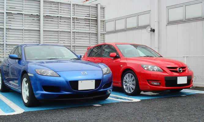 記念すべき初画像はノザキ アキラ様の(元)愛車でRX-8とマツダスピードアクセラです!うーん、どちらもカッコイイ。ノザキ様は現在ロードスターに乗っていらっしゃるそうで、まさに生粋の「LOVE!MAZDA」な方です。ノザキ様ありがとうございます!
