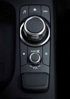 新型「デミオ」コマンダーコントロール(日本仕様車)