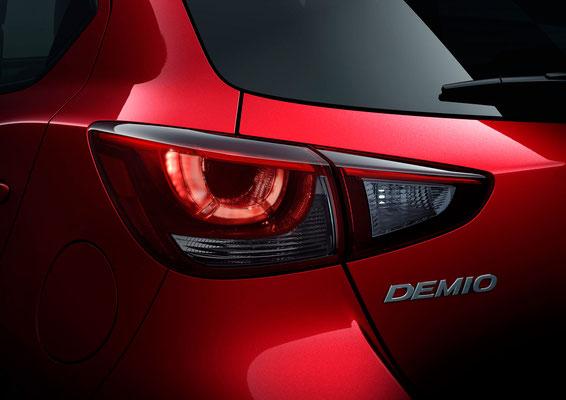 新型「デミオ」リアコンビランプ(日本仕様車)