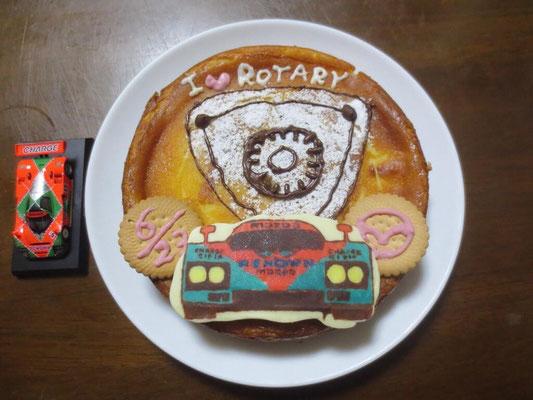 25枚目は松田礼奈様のマツダ787Bケーキ。素晴らしいマツダ愛です。