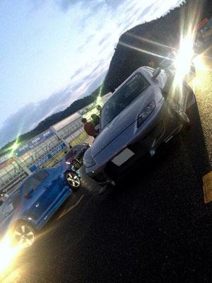 15枚目の写真も松田礼奈様の愛車RX-8。サーキットでの撮影です。