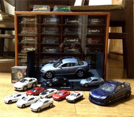 17枚目は松田礼奈様のマツダミニカーコレクション。RX-8をはじめ、様々な種類のミニカーが!