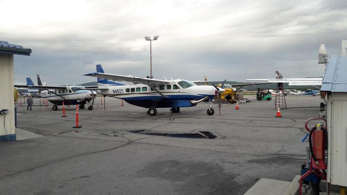 Flugfeld vor Wright Air Services