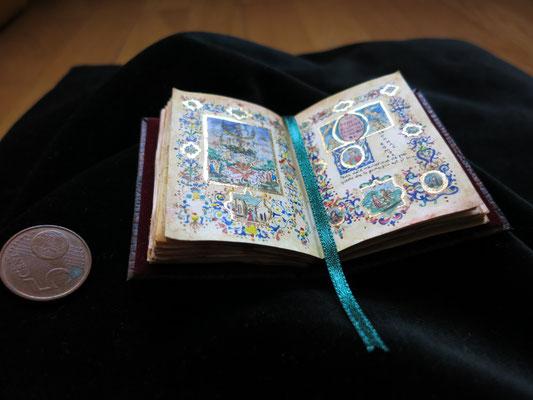 Códice Los triunfos de Petrarca. SXIV-XV, acuarela y pan de oro 10,5x6,5 cm
