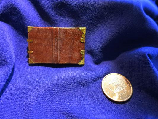 Libro de Horas de Simon de Varie, Paris, 1455, 2,7x4 cm (pintado en acuarela y pan de oro, encuadernado en piel)