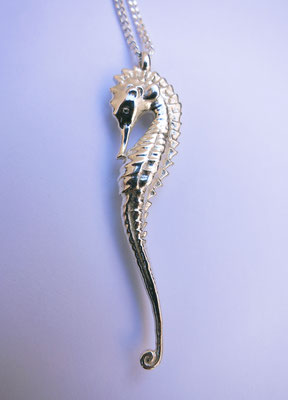Seahorse silver pendant