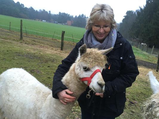 Petra wird mit ihrem Bonito schon bald ein erfahrener Lamero sein.