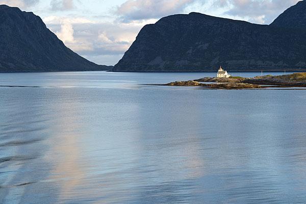 Einsam im Fjord
