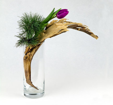 Anmuth ( Ikebana von Karin Teske )