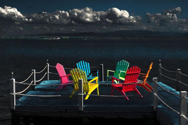 Gerold Slama: Sehr bunte Stühle
