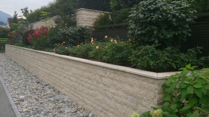 Travertin- Verblendmauerwerk