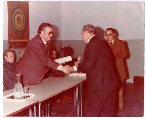 Scuola elementare di Vetralla, 1975, pensionamento del maestro Cesare De Cesaris.
