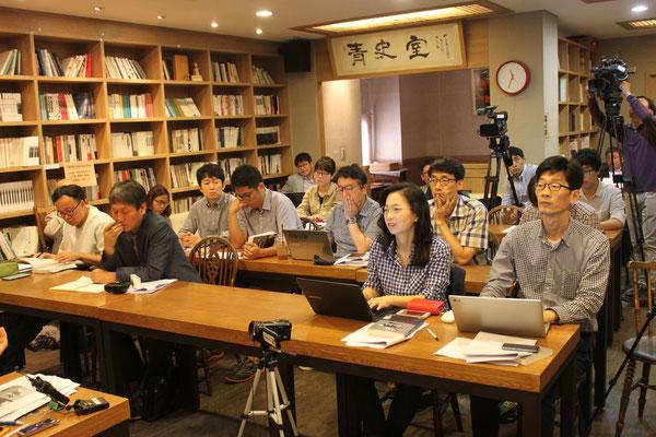 韓国の記者たちと語り合う ソウル市で 2016.9.26