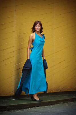 schlichtes sommerliches Abendkleid Foto: Alexander Hahn