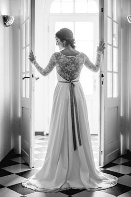 Boho Hochzeitsinspiration - Der Boho-Stil steht für Brautkleider mit romantischer Spitze