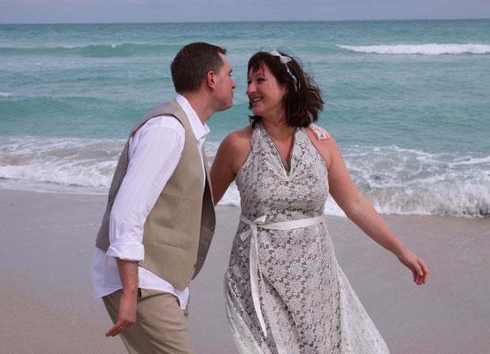 """Hochzeitskleid """"Sternenfee"""" mit Spitze in nude für die Strandhochzeit"""