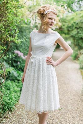 """veganes Brautkleid in knielang """"Sonnentochter"""" aus Biobaumwolle mit Spitze"""