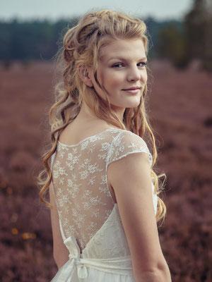"""Spitzen Brautkleid mit weitem Tüllrock """"Kano"""" - elementar Brautkleider 2018"""