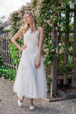 Boho Brautkleid aus Bio Baumwolle mit romantischer Rosenspitze