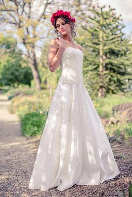 """Brautkleid aus Seide mit Spitzencorsage """"Sonnenpracht"""""""