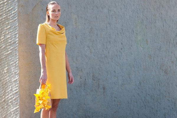 gelbes Abendkleid Foto: Nancy Heusel
