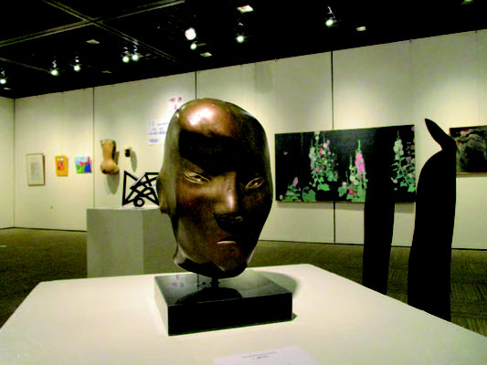 京都市国際交流会館展示室、シン・ドンス作品